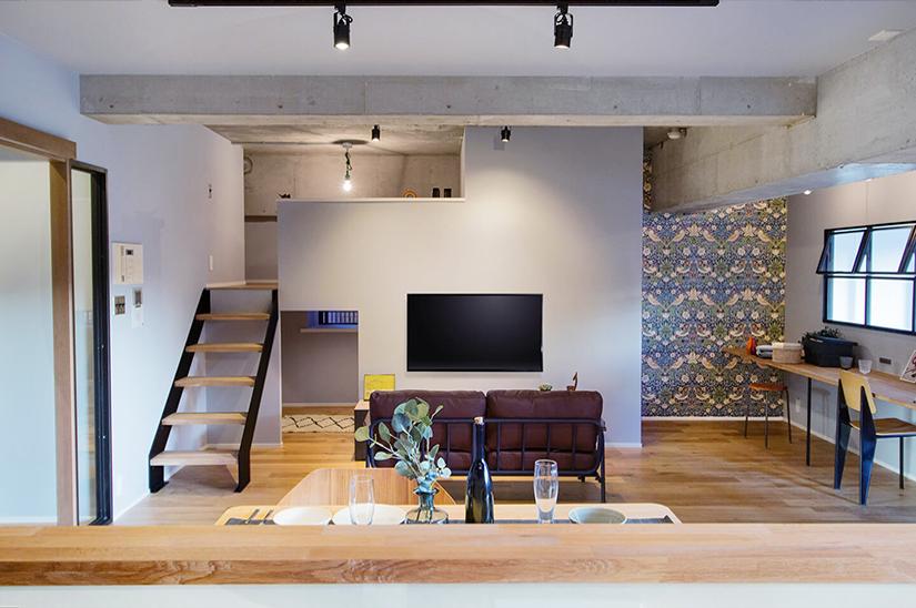 階段デザインが格好いいロフトのあるLDK / 大阪府豊中市Y様邸