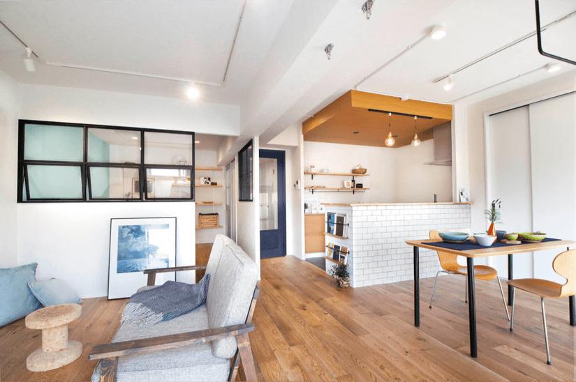 個性的なタイルで風合いのある空間 / 兵庫県伊丹市 N様邸